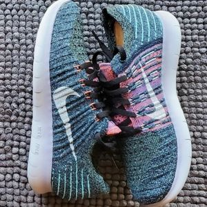 New women's Nike Free Run Flyknit
